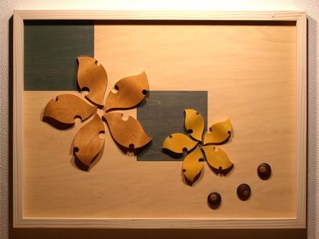 013、木のレリーフ「はらはら カラカラ」.jpg