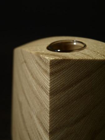 021、木の一輪挿しTriad、セン材.jpg