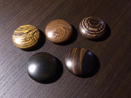021、黒檀のマグネット−1.jpg
