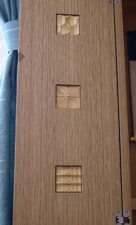 023、木のレリーフ.jpg
