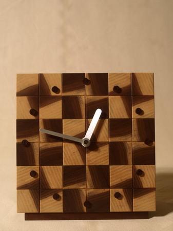 028、木口寄木の時計「つむぎ」ウォールナットの風車-1.jpg